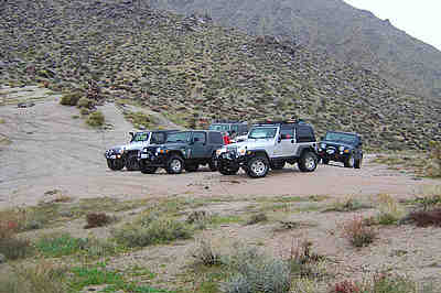 Carl Mengel Pass - parking.
